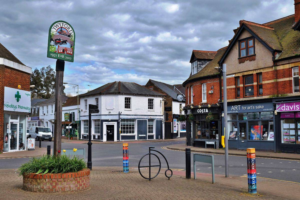 Twyford Berkshire Village Centre And Sign