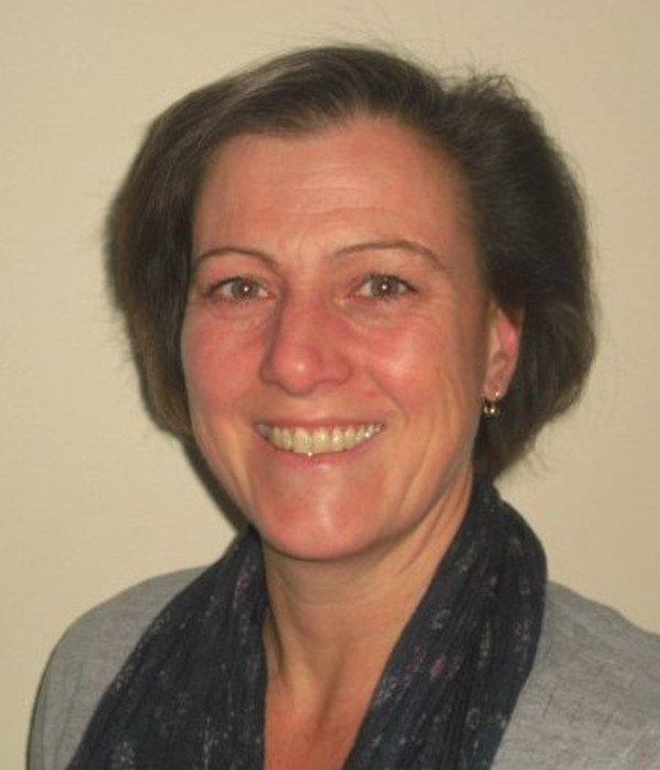 Teresa Ramsden headshot
