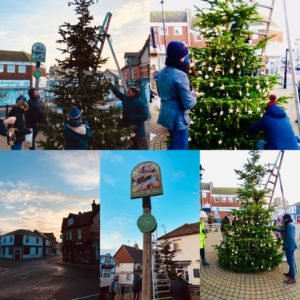 Christmas 2020 - Decorating the village Christmas tree
